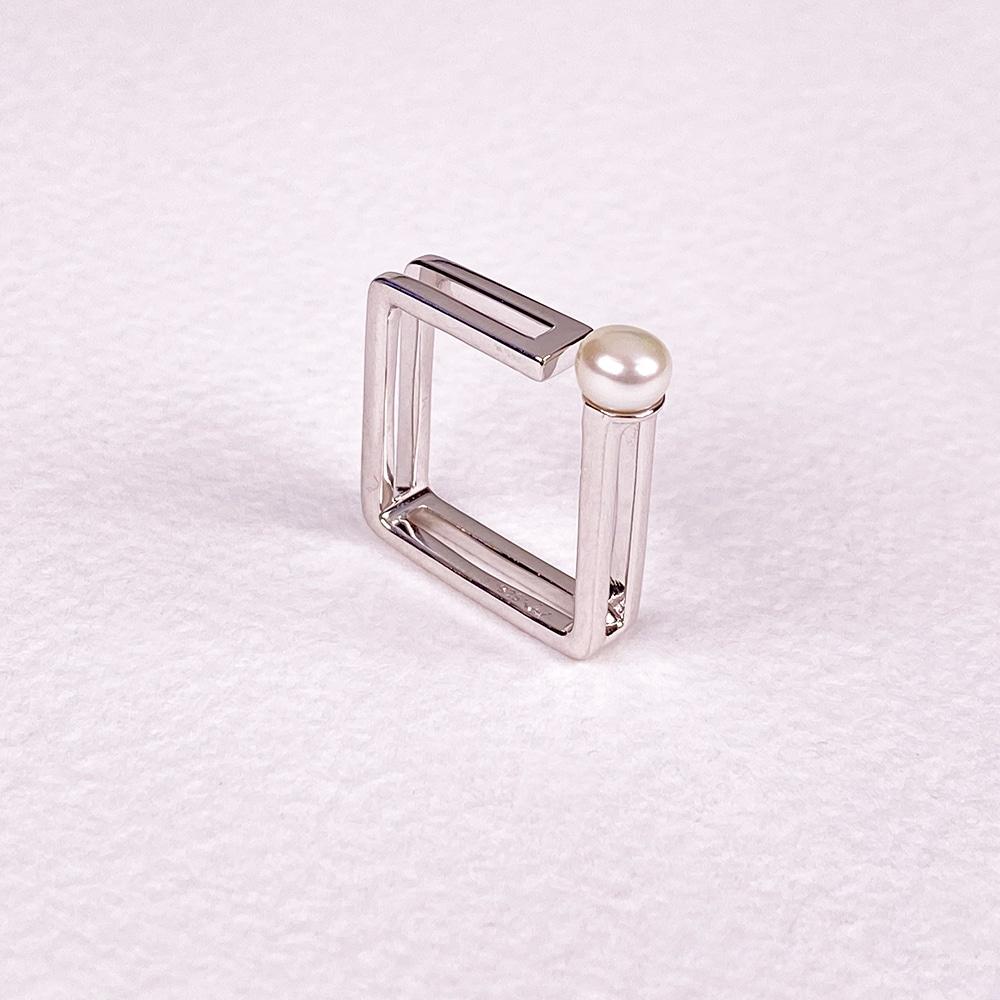 Cala Single Pearl Ring