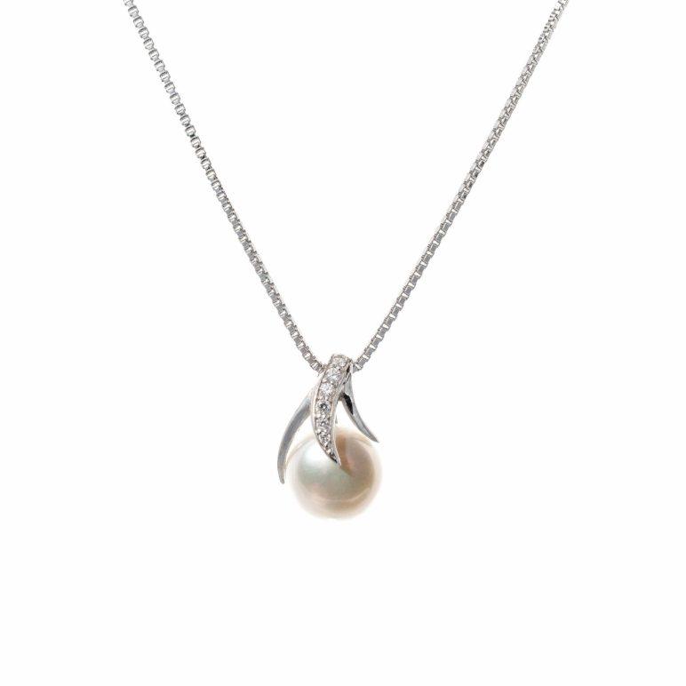 Esencia Pearl Pendant