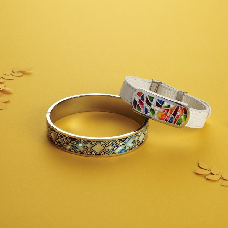 Solera Mother of Pearl Bangle