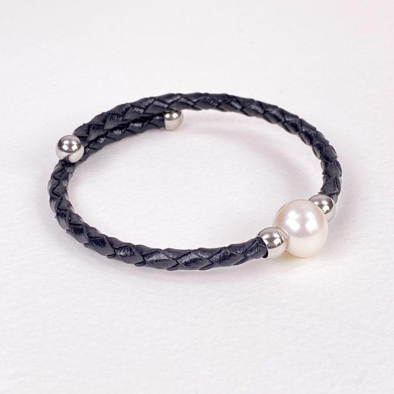 Black Bahia Pearl Bracelet