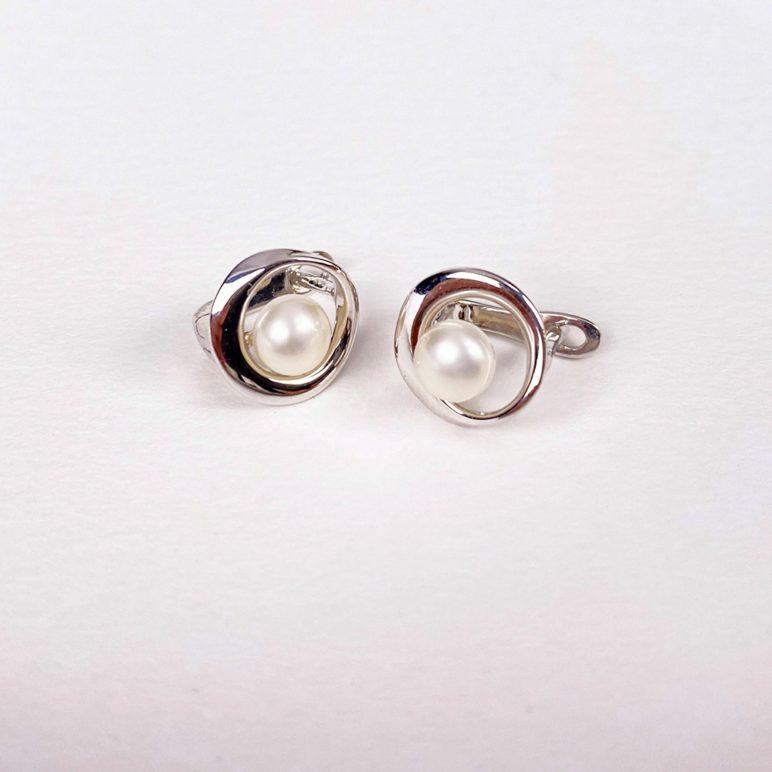 Esencia Continental Pearl Earrings