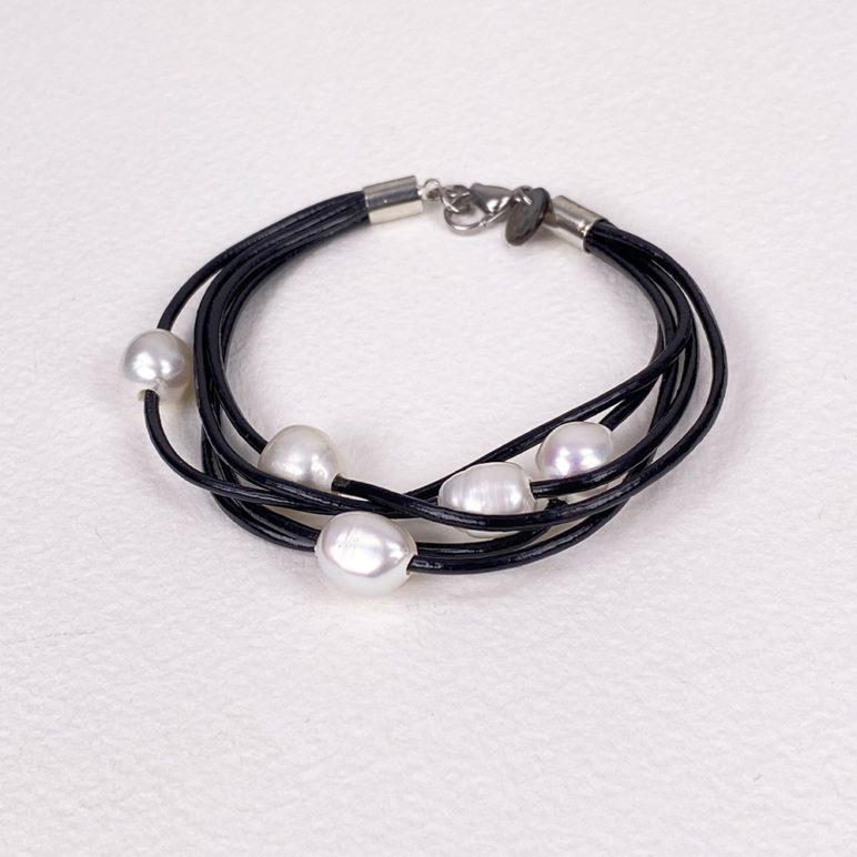 Black Calima Multi-Pearl Bracelet