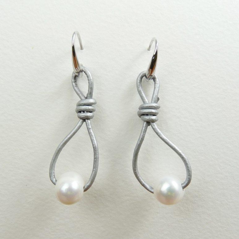 Grey Calima Pearl Earrings